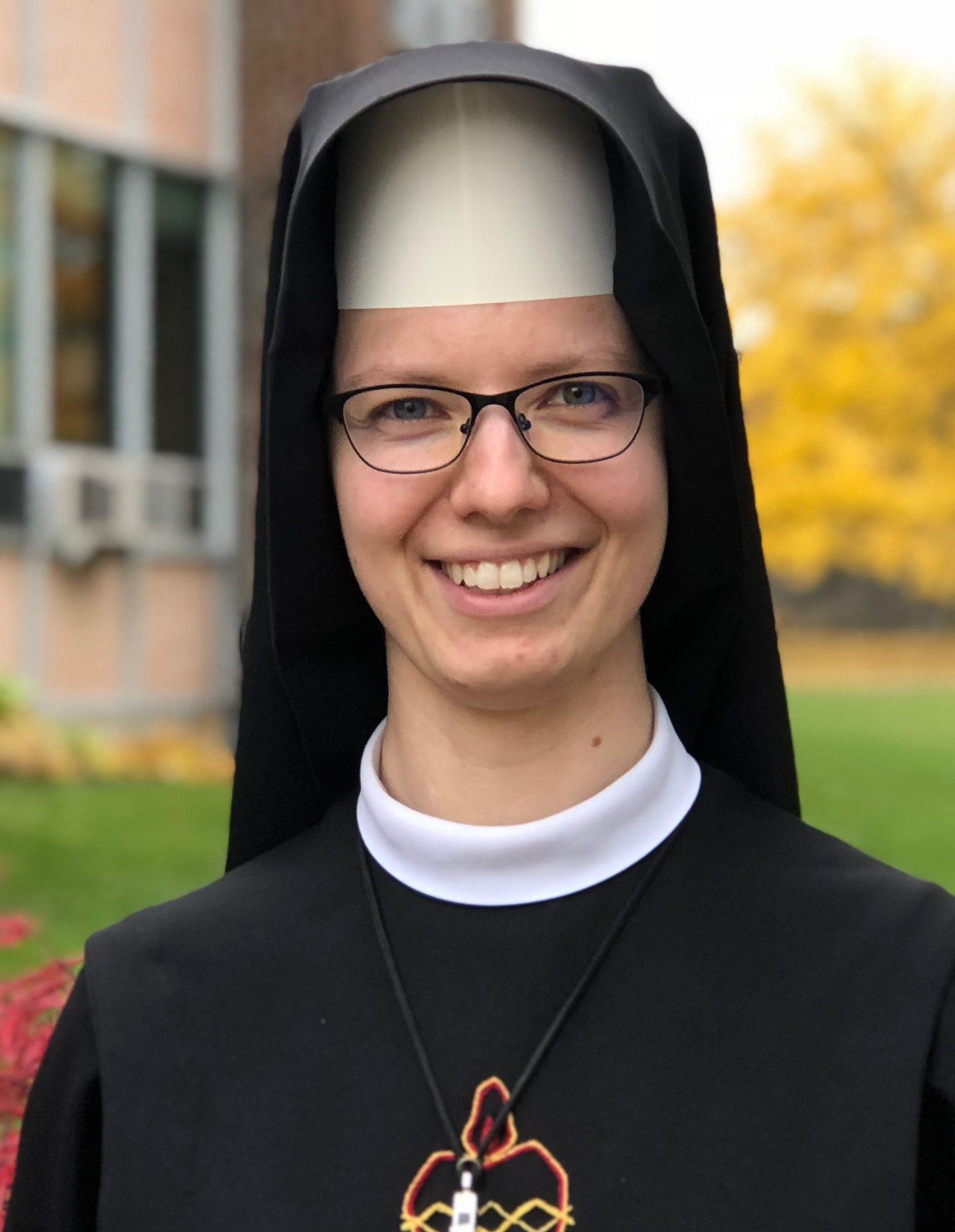 Sister Angela Marie : Kindergarten/1st Grade Assistant